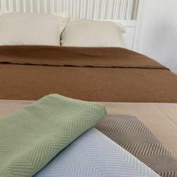 Couvre-lit en jacquard à chevrons - Literie hôtel et collectivité