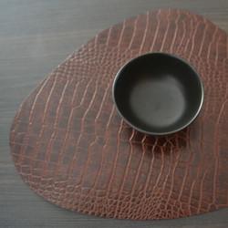 Set de table pour Restaurant en cuir effet crocodile - Comptoir Textile Hôtelier