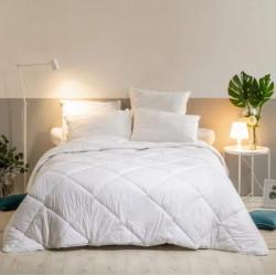 Couette hôtelière tempérée 300g lavable à 95° - Comptoir Textile Hôtelier