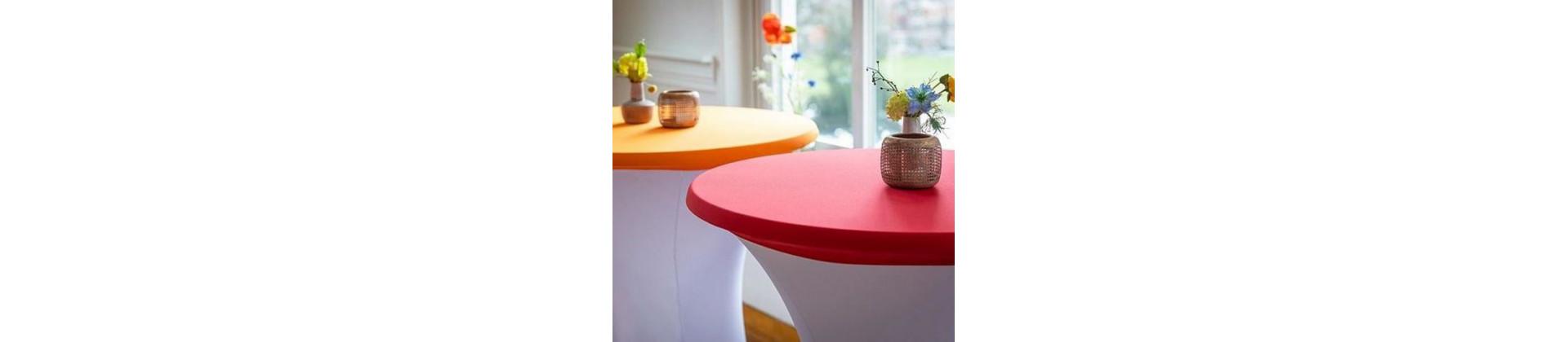 Housse de table et mange-debout pour restaurants et conférences
