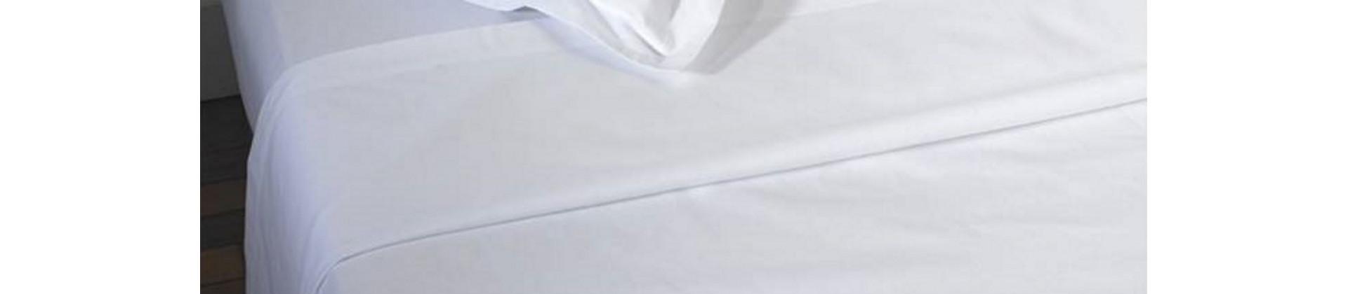 Draps plats blancs pour établissements hôteliers